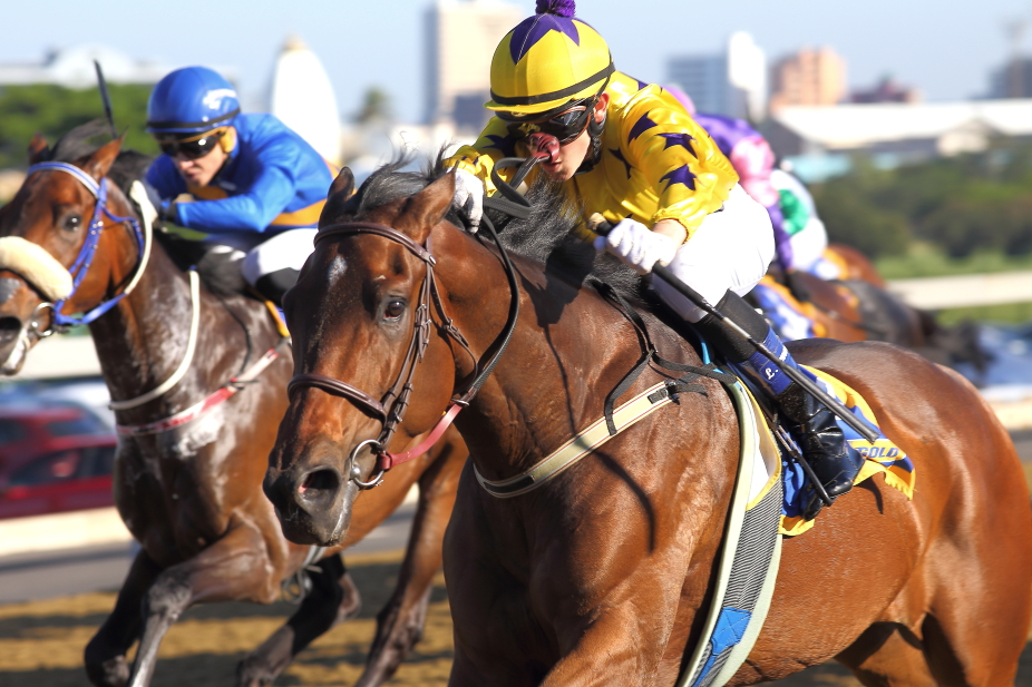 Sunny Bill Du-Toy getting his third consecutive win on the Greyville polytrack - Photo Credit: John Lewis - 20180523