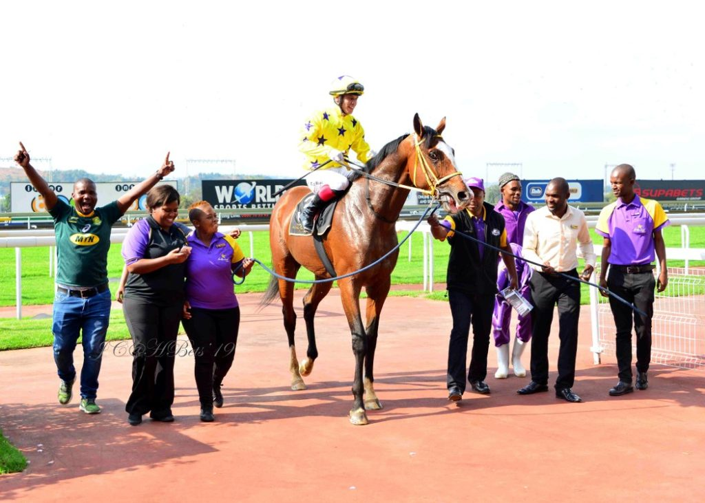 Seattle Force being led into the parade ring by Hollywoodbets team members at Turffontein.