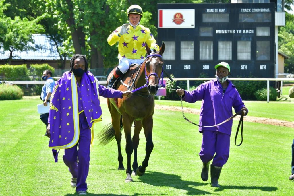 The horse MOYA WA LALIGA being led in after winning at the Vaal
